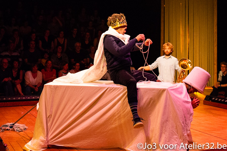 Famille Choisie - Carré Curieux, Cirque Vivant!